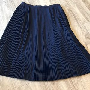 NWOT jcrew pleated accordion navy skirt size 8